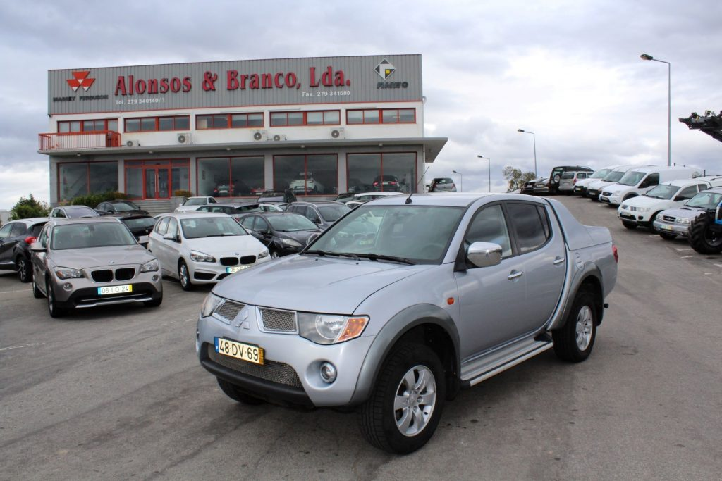 Mitsubishi L200 2.5DID 4WD CD INTENSE