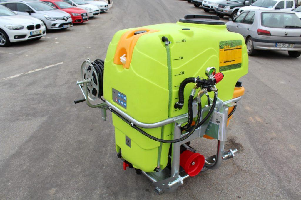 Pulverizador ROCHA 400L cheio